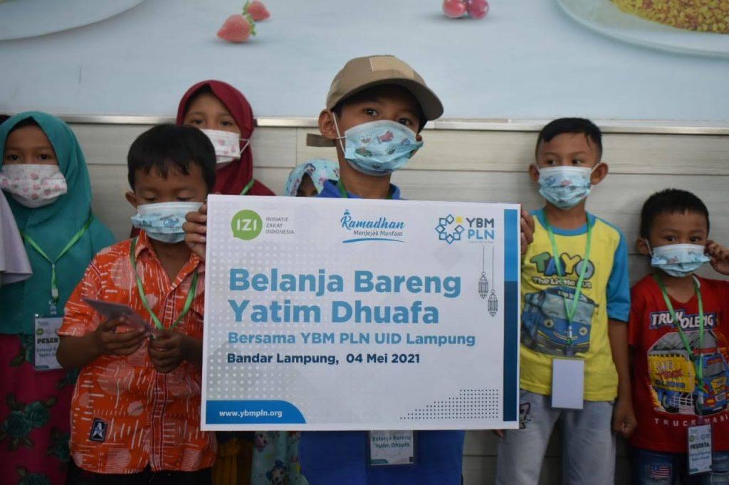 "YBM PLN UID Lampung – Laznas IZI Lampung Ajak 100 Anak Berbelanja di Program Ramadhan ""Belanja Bareng Yatim dan Dhuafa"""
